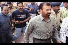 CBI questions fake encounter suspect Vanzara over his resignation