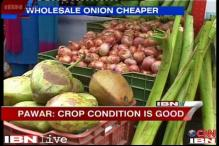 Wholesale onion prices down by Rs 5/kg; retail rates still high