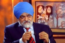 Economy to see turnaround in coming quarters, asserts Montek Singh Ahluwalia