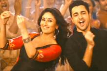 'Gori Tere Pyaar Mein' new stills: Kareena, Imran flaunt desi moves in 'Chingam chabake'