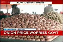Government to import onions, tenders to be floated through NAFED