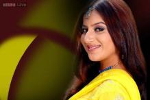 Pooja Gandhi's 'Kalyana Masthu' gets 'U' certificate