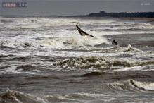 Thousands evacuated in Andhra as cyclone Phailin moves closer