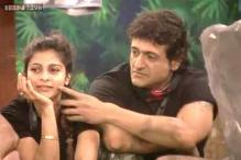 Bigg Boss 7: Don't take advantage of me, Tanishaa warns Armaan
