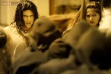'Irandam Ulagam' review: A complicated screenplay ruins this Tamil film