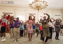 After Bollywood dancing, Michelle Obama hosts workshop on film careers