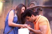 Bigg Boss 7: It's official! Kushal and Gauahar are a couple