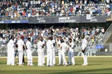 Tendulkar walks out to guard of honour in farewell Test