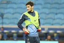 Spurs criticised for letting knocked-out Hugo Lloris play on