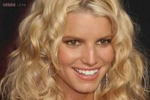 Singer Jessica Simpson bans father from her wedding