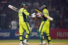 Razzaq, Malik recalled for T20s against South Africa