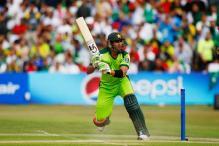 Pakistan to recall Malik, Razzaq for T20s against SA