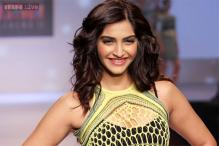 Snapshot: Prateik, Sophie cheer for Sonam Kapoor as she walks the ramp