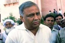 Unfazed by stage crash, Kirori Lal Meena to address 7 rallies across Rajasthan
