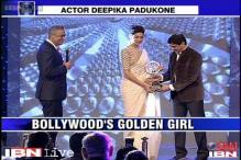IOTY: Deepika breaks down after receiving award from father Prakash Padukone