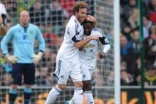 Nathan Dyer ankle not broken, say Swansea