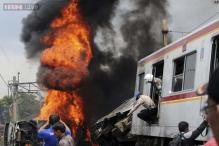 Commuter train crashes in Jakarta, 7 dead