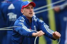 England add Borthwick and Tredwell to Ashes squad
