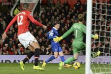 Manchester United concede late to lose 0-1 to Everton