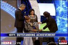 Ramakant Achrekar gets CNN-IBN IOTY 2013 for Outstanding Achievement