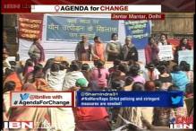 People gather at Jantar Mantar, remember the Delhi braveheart