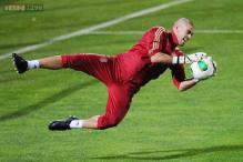 Victor Valdes expects to return for Barcelona in January