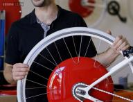 Copenhagen Wheel: A new device that transforms a bicycle into an electric-hybrid vehicle