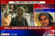 Medha Patkar will clear stand on joining AAP today