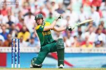De Villiers set to face Australia despite hand surgery