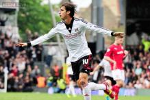 Costa Rica striker Bryan Ruiz on loan to PSV from Fulham