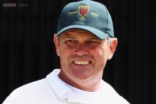 New Zealand must prepare green pitches, says Crowe