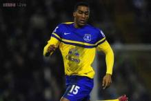 Sylvain Distin signs contract extension at Everton