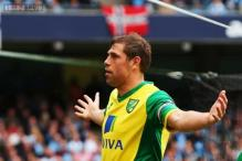 Aston Villa sign Grant Holt on loan from Wigan