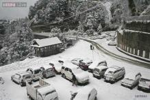 Heavy snowfall covers Shimla, temperature drops further