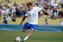 Hull sign Croatia striker Nikica Jelavic from Everton