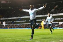 Defoe begins farewell in style as Spurs beat Crystal Palace 2-0