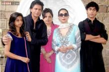 Shah Rukh Khan tweets about his kids' busy schedule