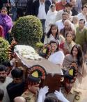 Suchitra Sen's last journey: Cremated in closed coffin, daughter Moon Moon, granddaughters Riya, Raima present