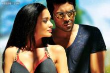 'Yevadu' posters lands Ram Charan in a legal trouble