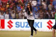 Celebrity Cricket League: Mumbai Heroes beat Bengal Tigers