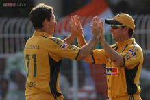 Australia name Brad Hogg, Hodge in World T20 squad