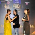 IIFA press meet: Once rivals, now pals? Bipasha Basu, Kareena Kapoor greet each other with a kiss