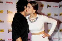 How to air kiss like a Bollywood star
