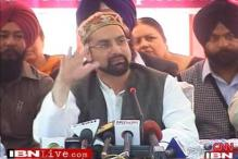 Mirwaiz hopes Kashmir peace talks will resume after elections