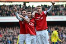 Arsenal cruise past Sunderland with 4-1 win; West Ham beat Southampton 3-1