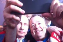 The ultimate Vladimir Putin selfie clicked at Sochi Olympics with Canadian fans