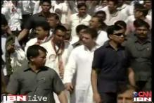 Rahul Gandhi leads Youth Congress workers during road show in Bardoli
