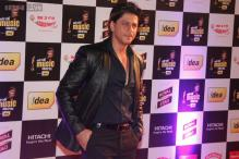 Shah Rukh Khan, Farhan Akhtar honoured at Mirchi Music Awards