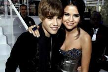Selena Gomez to testify in paparazzo lawsuit against boyfriend Justin Bieber