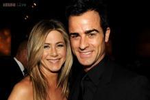 Justin Theroux hijacks girlfriend Jennifer Aniston's beauty products